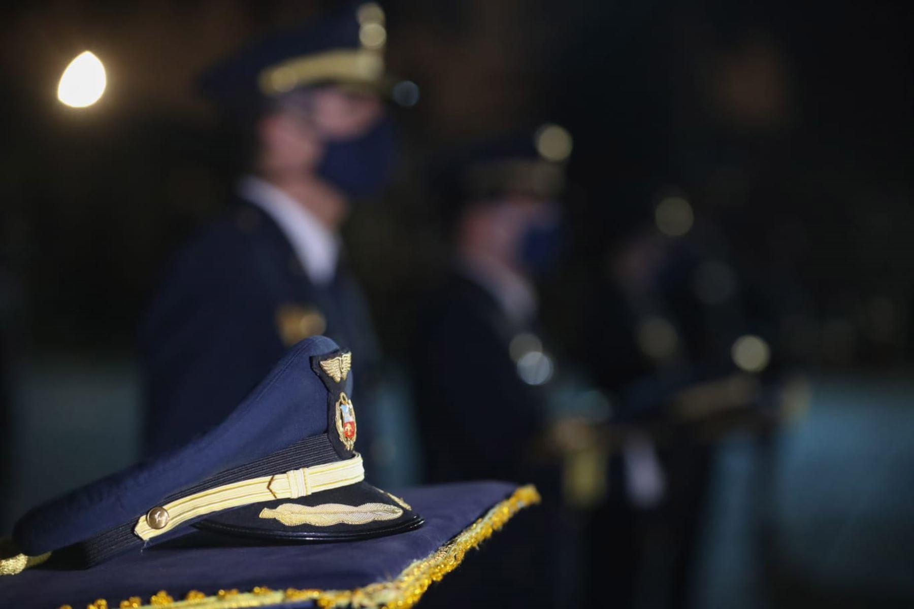 Los féretros de cuatro militares llegaron hoy a la explanada del Grupo Aéreo N° 8, en el Callao. Foto: Mindef