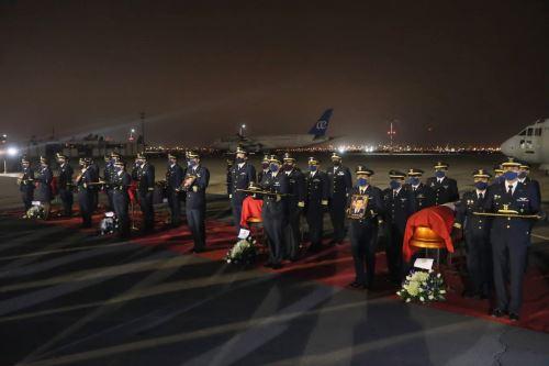 Reciben con honores a valerosos miembros de las FF.AA que perdieron la vida en Amazonas