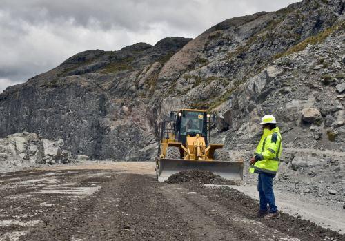 El Ejecutivo destinó más de S/ 240 millones a 15 regiones del país para financiar la construcción de puentes y carreteras.