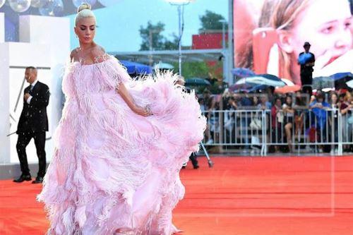 Lady Gaga se convirtió en la nueva embajadora de la nueva fragancia de Valentino. EFE