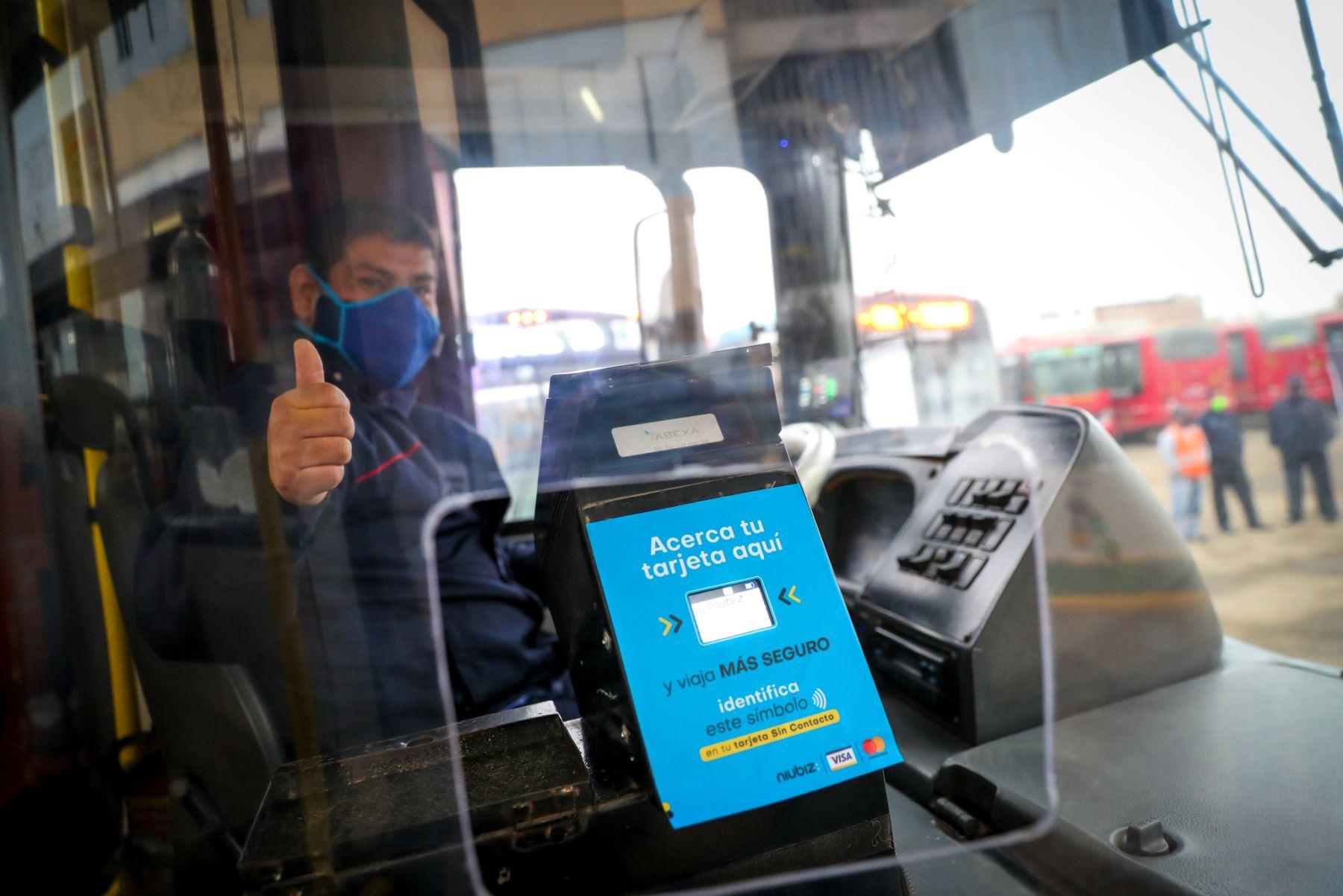 La Autoridad de Transporte Urbano para Lima y Callao (ATU) acelera la adopción de medios de pago sin contacto que coadyuven a evitar los contagios durante la pandemia del covid-19. Foto: ATU.