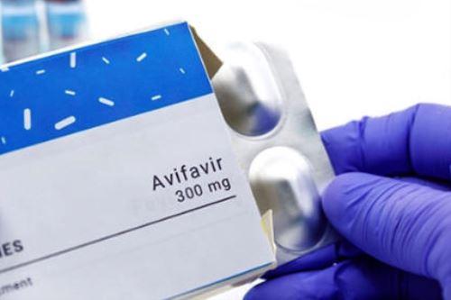 El 65 por ciento de pacientes necesitó cuatro días para recuperarse en su totalidad bajo el tratamiento de Avifavir. Foto: Internet
