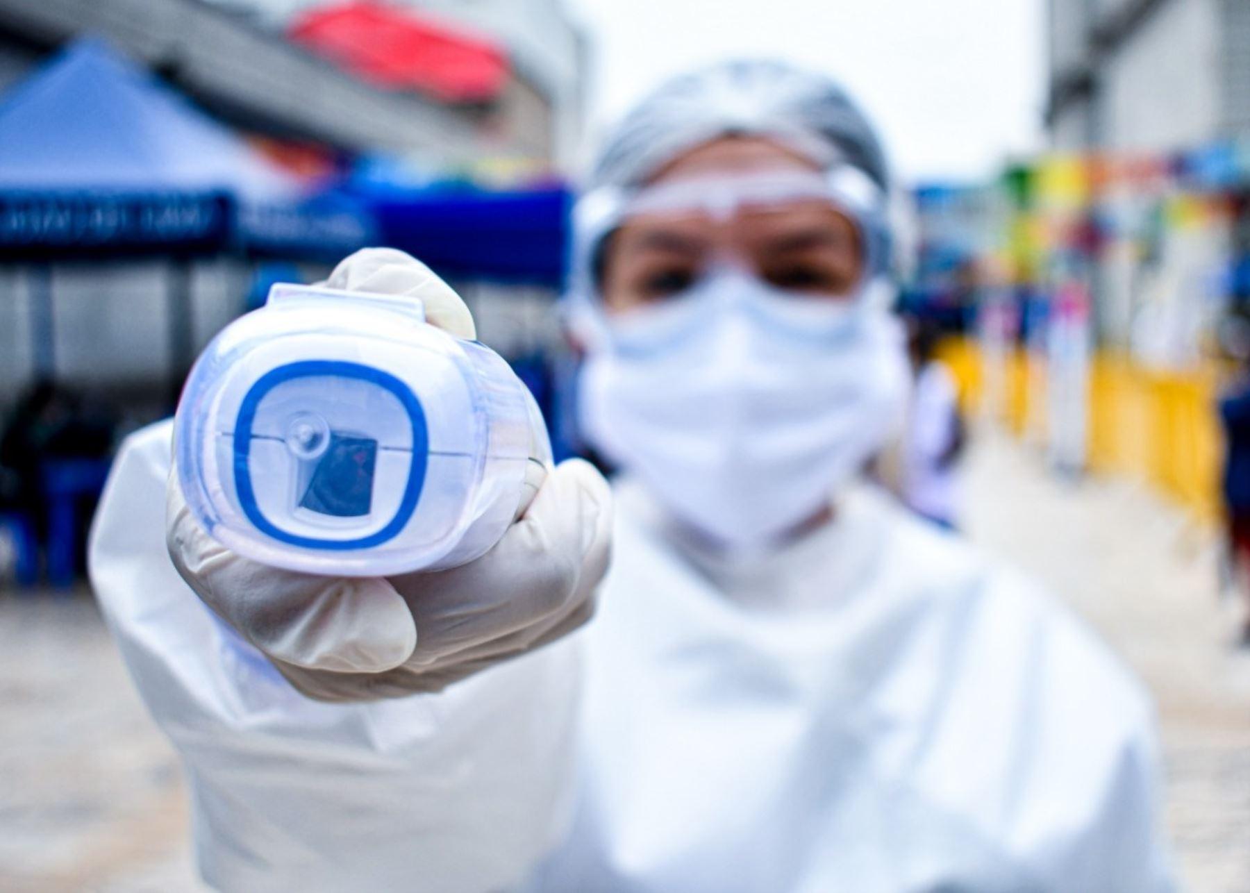 Sisol Salud recomienda los termómetros digitales de uso médico y no industrial. Foto: Sisol Salud