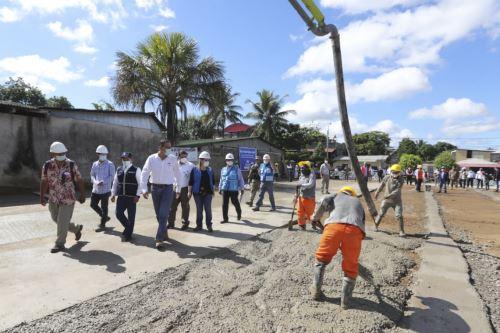 Presidente Martín Vizcarra supervisa la construcción de la Villa EsSalud en Madre de Dios.
