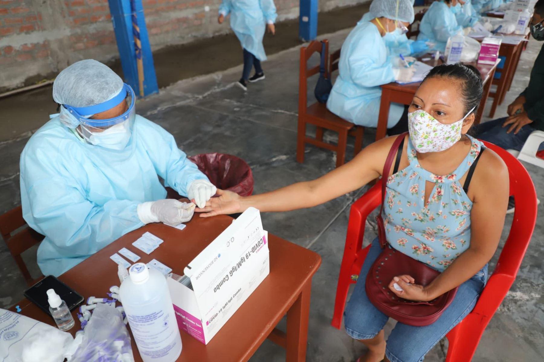 Fuerzas Armadas brinda ayuda humanitaria en Bagua Chica- Amazonas, sobre atenciones médicas en ginecología, obstetricia, medicina interna y general, ecografía y pruebas de descarte covid-19. Foto: FF.AA