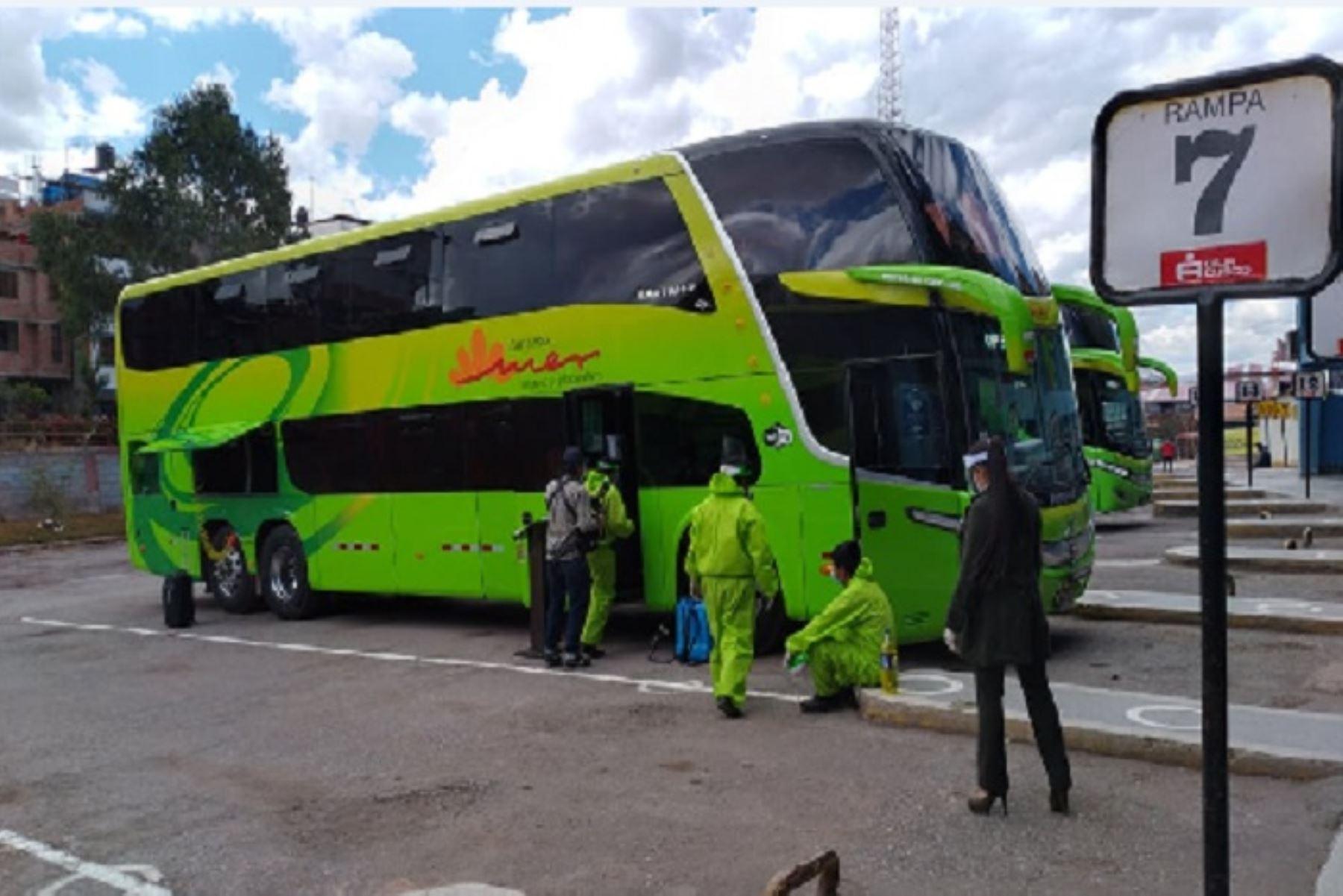 El MTC precisó que los buses de transporte interprovincial de pasajeros no podrán hacer paradas intermedias. ANDINA/Difusión
