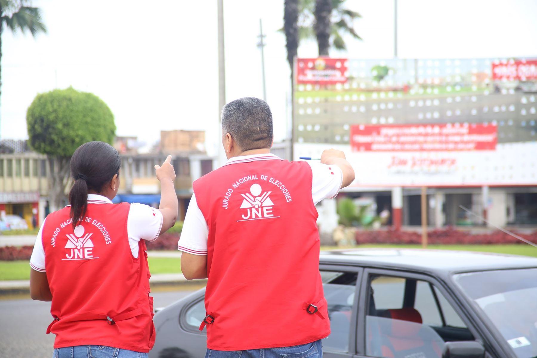 Fiscalizadores del Jurado Nacional de Elecciones. Foto: cortesía.