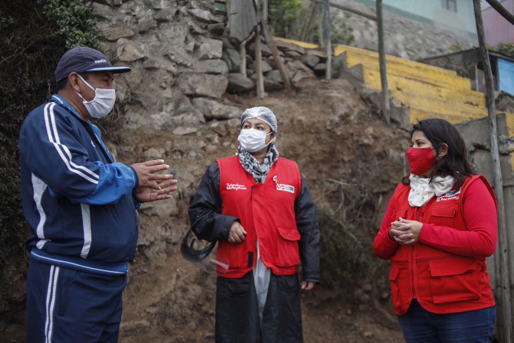 Los pedidos, por lo general, son el apoyo a sus organizaciones de ollas comunes que durante la pandemia se han incrementado. Foto: ANDINA/Renato Pajuelo