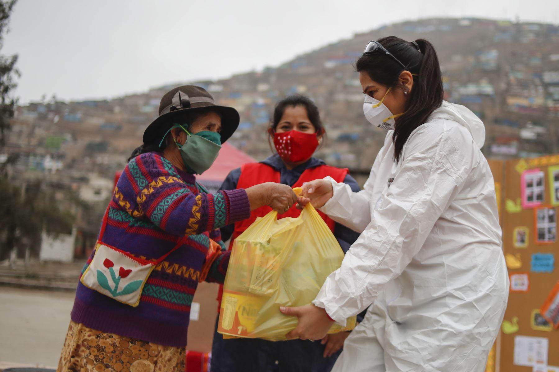 Los productos entregados fueron gestionados por el Despacho de la Primera Dama de la Nación, con el apoyo de diversas instituciones y empresas privadas. Foto: ANDINA/Renato Pajuelo