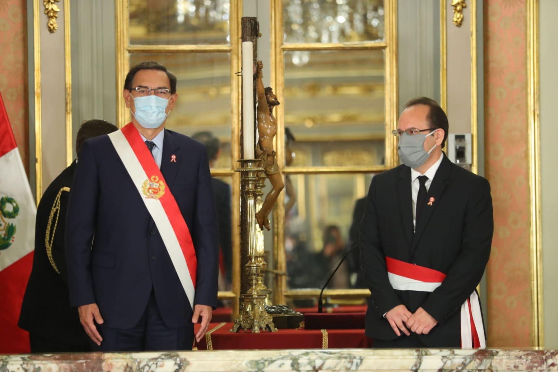Presidente Martín Vizcarra toma juramento a José Antonio Salardi Rodriguez como ministro de la Producción. Foto: ANDINA/Presidencia