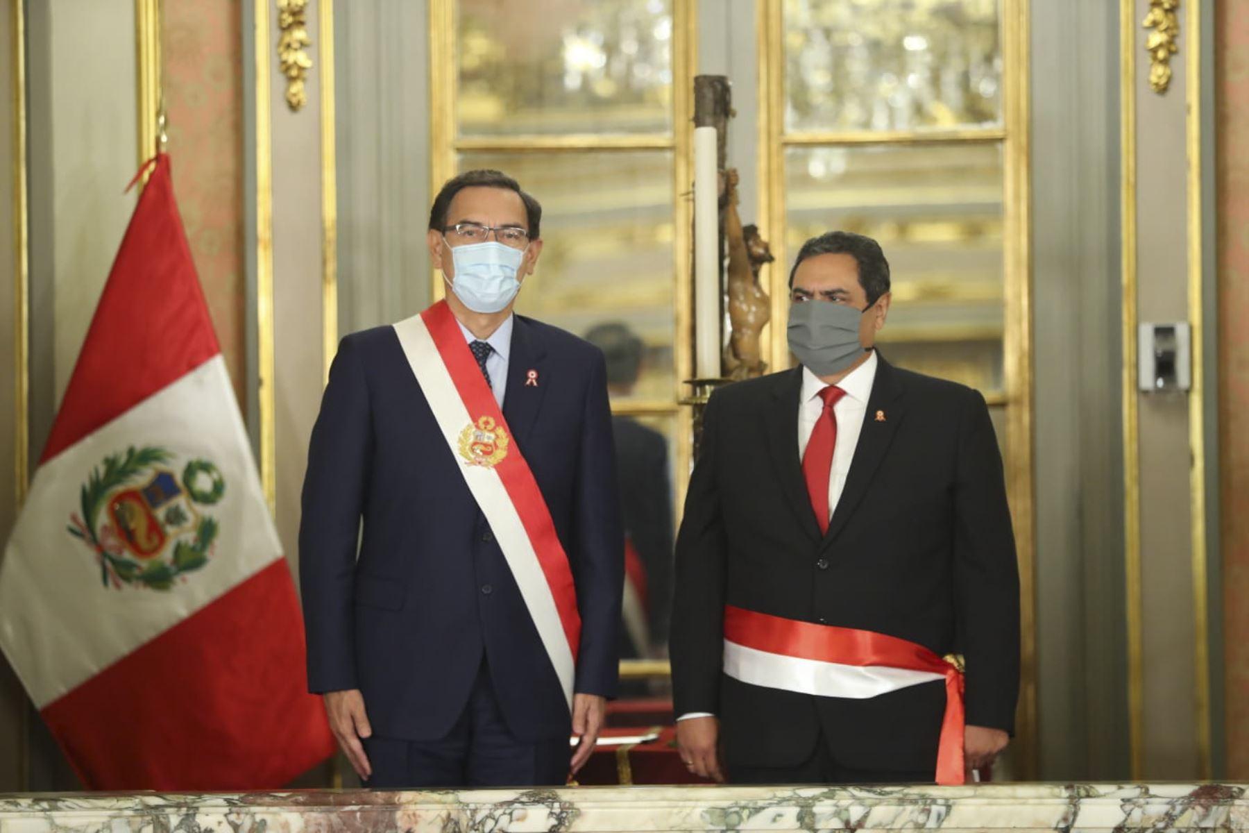 Presidente Martín Vizcarra toma juramento a Jorge Montoya como ministro del Interior. Foto: ANDINA/Prensa Presidencia