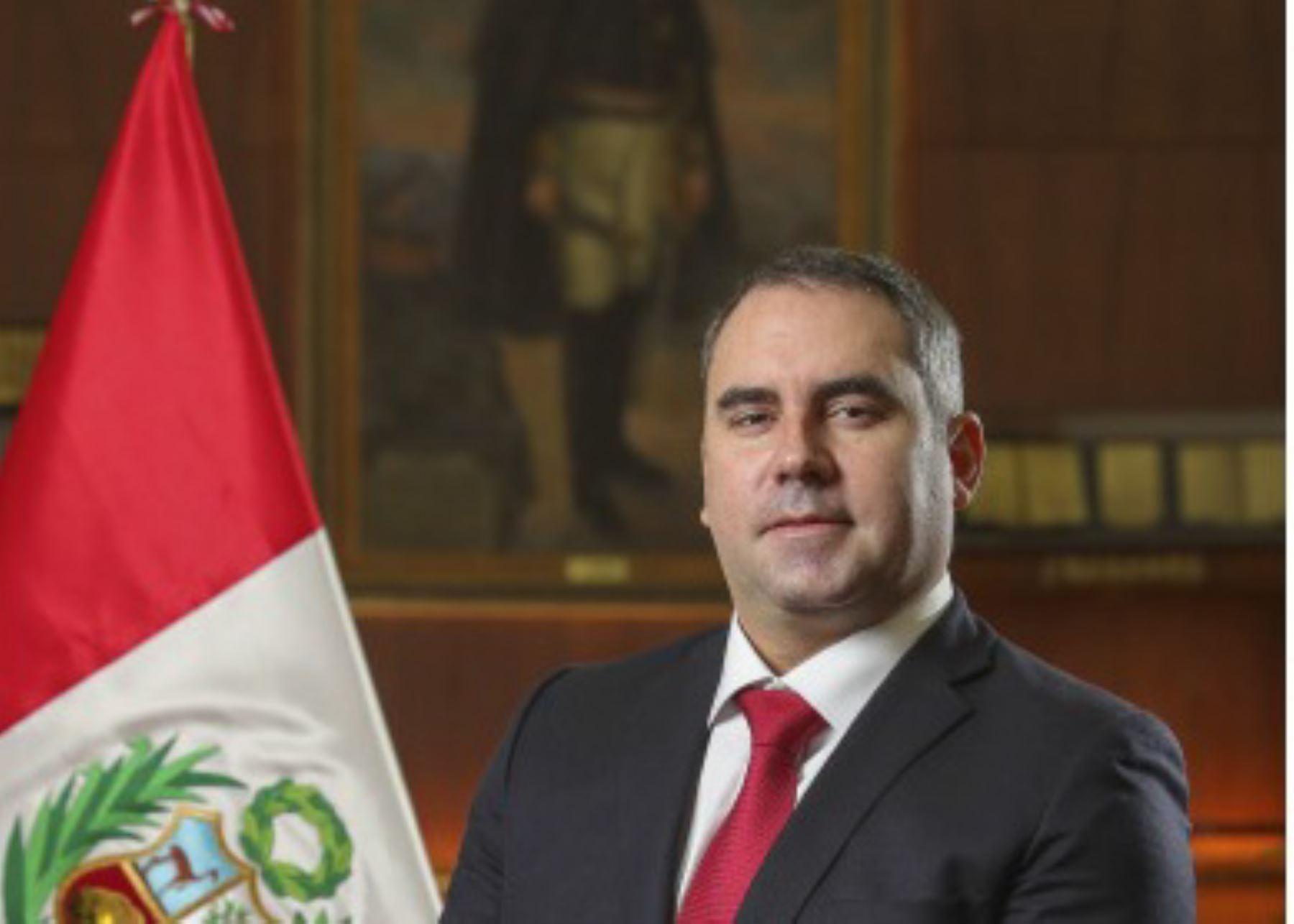 Ministro de Energía y Minas, Rafael Belaunde Llosa.