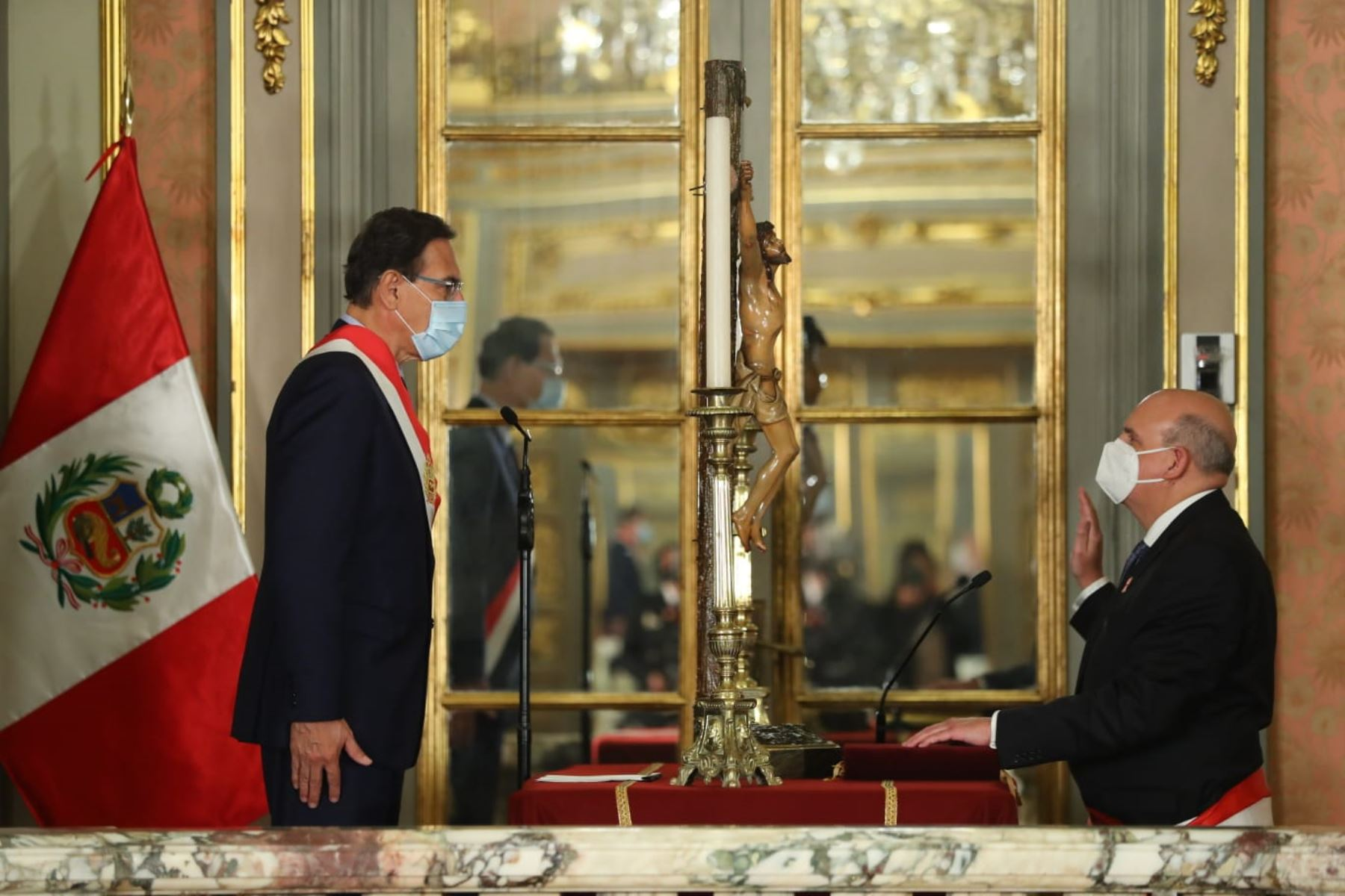 Presidente Martín Vizcarra toma juramento de Mario Juvenal López como el nuevo ministro de Relaciones Exteriores. Foto: ANDINA/ Prensa Presidencia