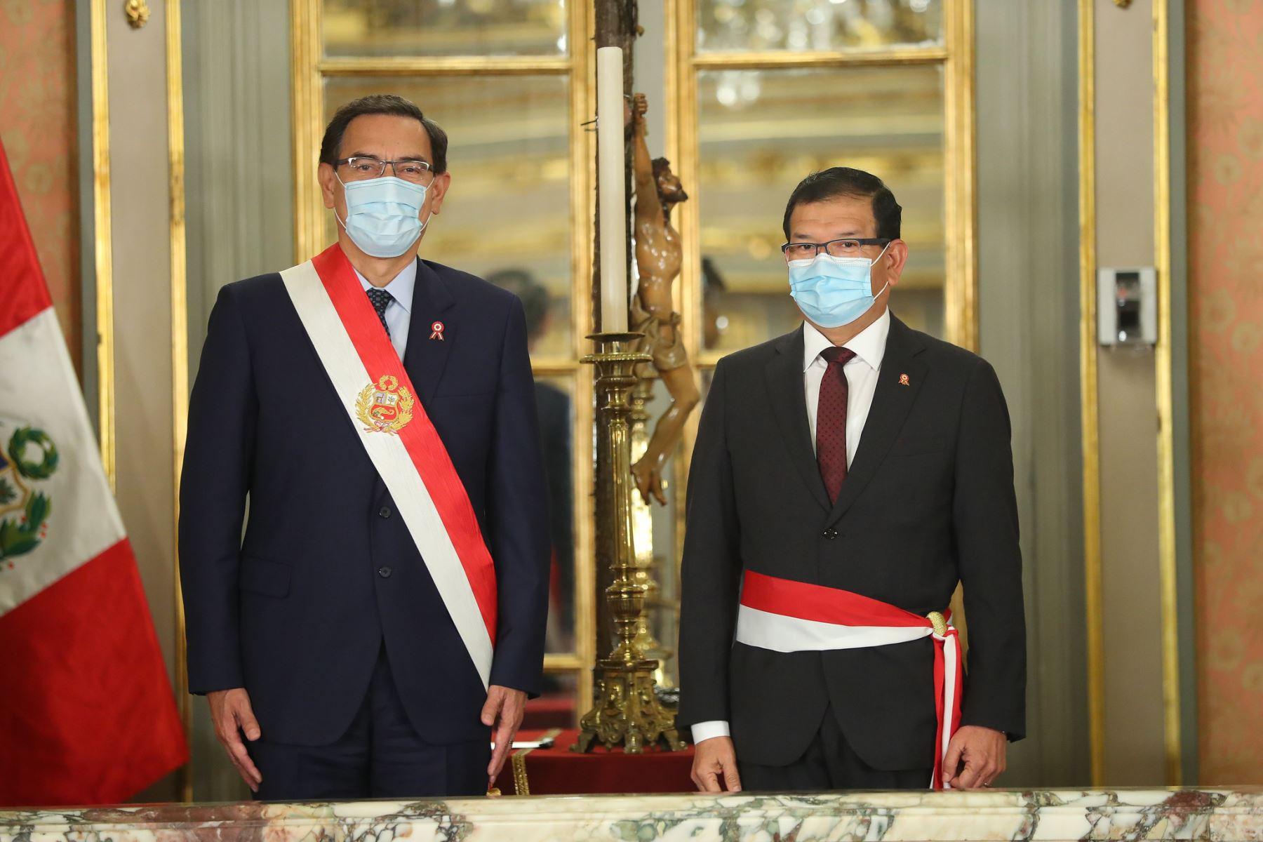 Presidente Martín Vizcarra tomo juramento a Jorge Montenegro como ministro de Agricultura. Foto: ANDINA/Presidencia