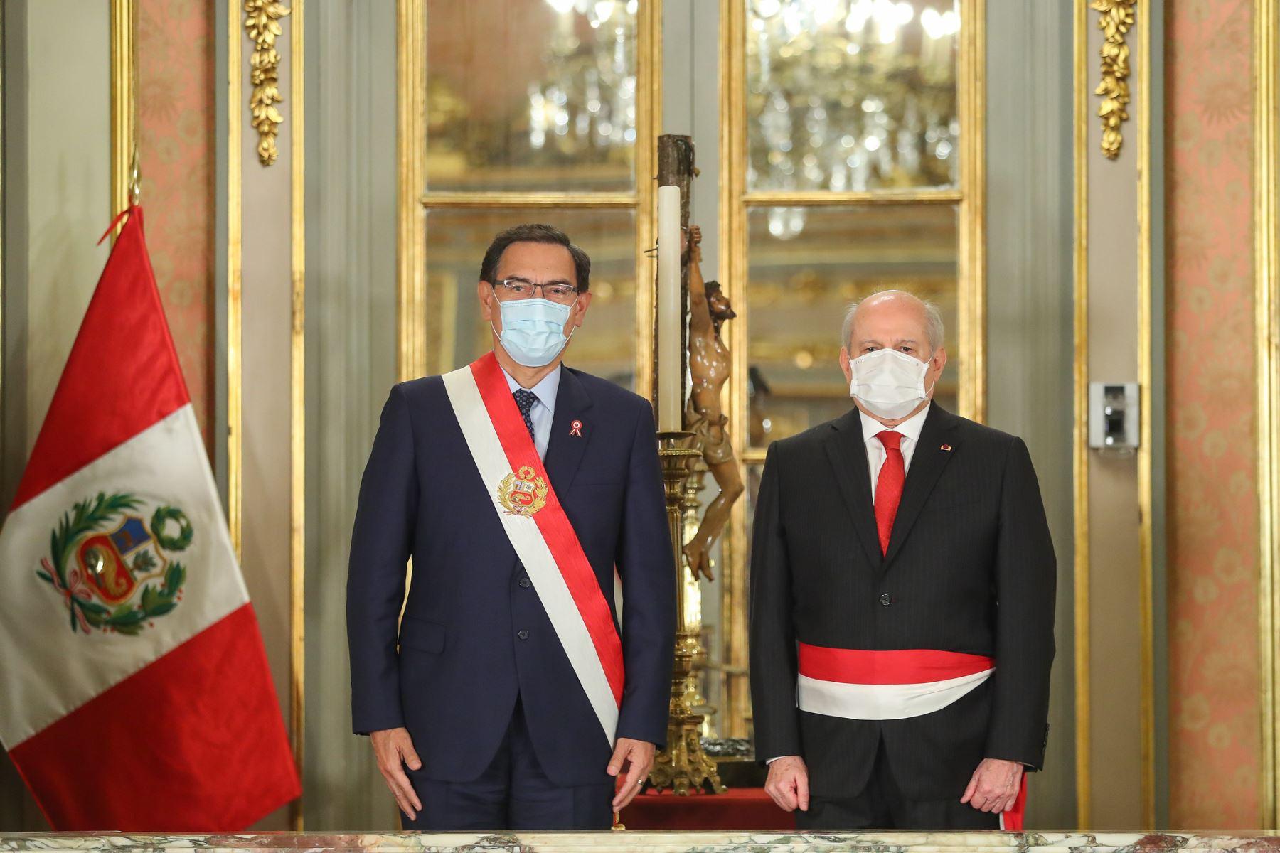 Presidente Martín Vizcarra toma juramento de Pedro Cateriano como primer ministro de Estado. Foto: ANDINA/Prensa Presidencia