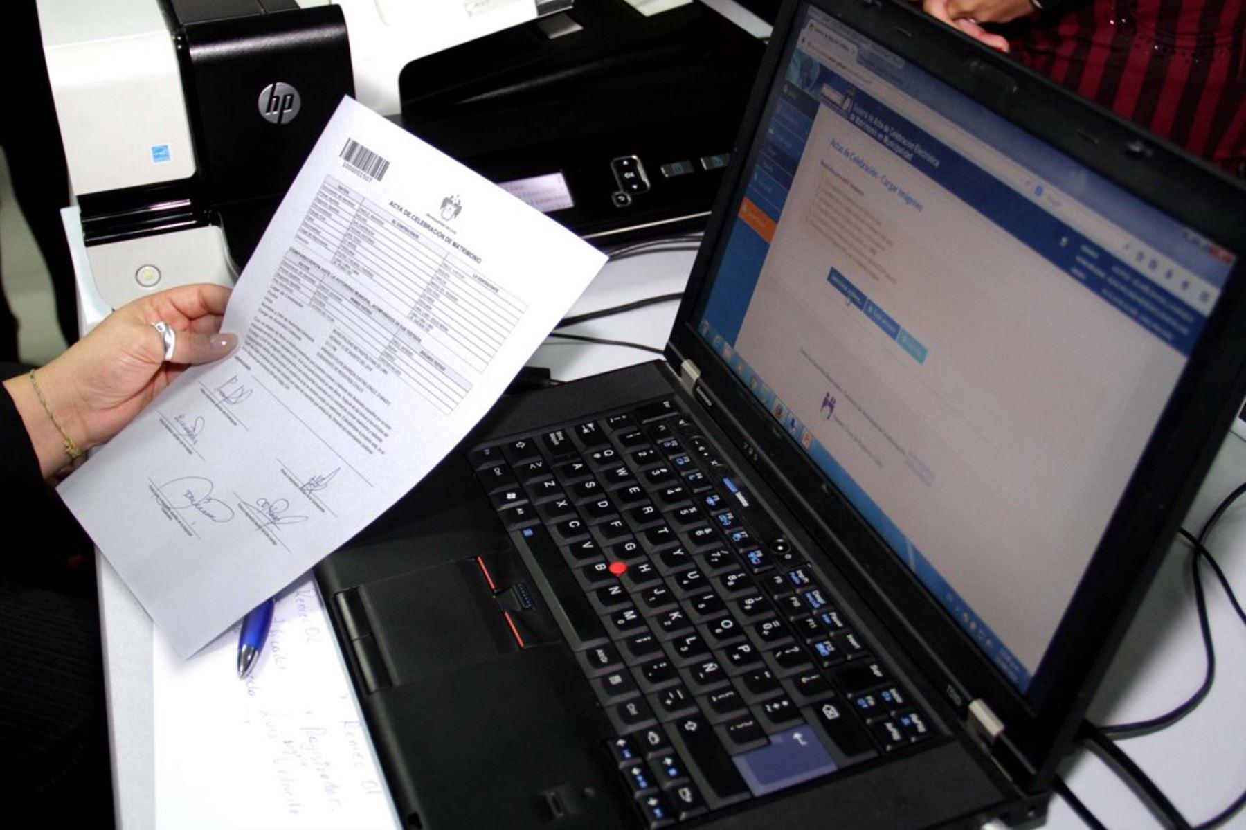 Reniec reanuda emisión de actas electrónicas de matrimonio. Foto: ANDINA/Difusión.