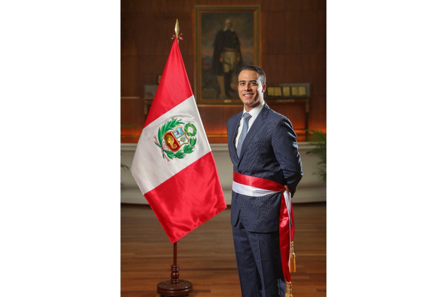 Martín Ruggiero, ministro de Trabajo y Promoción del Empleo. Abogado por la Universidad de Lima y cuenta con estudios fuera del país sobre Derecho Laboral. Foto: ANDINA/PCM