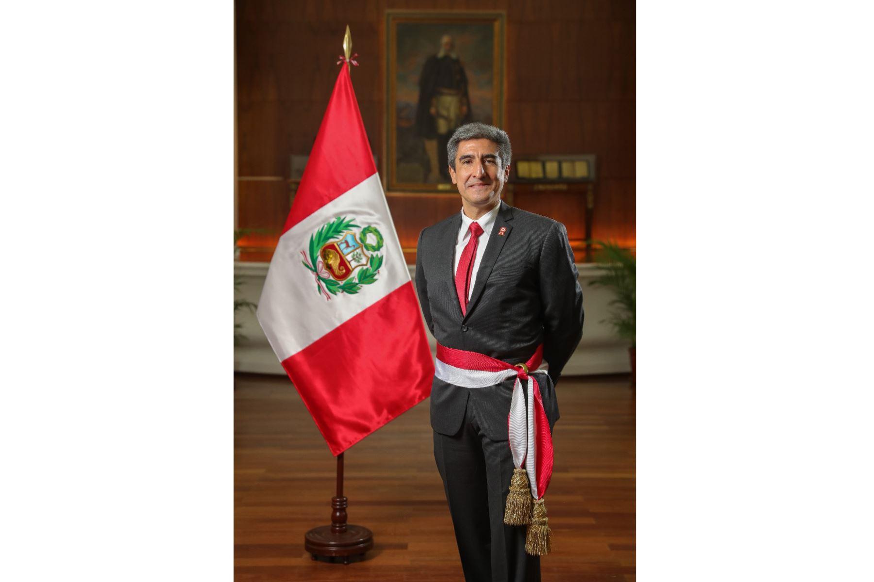 Alejandro Neyra, ministro de Cultura.Escritor y diplomático, estudió Literatura en la Universidad Nacional Mayor de San Marcos (2001) y Derecho en la Pontificia Universidad Católica del Perú (1998). Foto: ANDINA/PCM