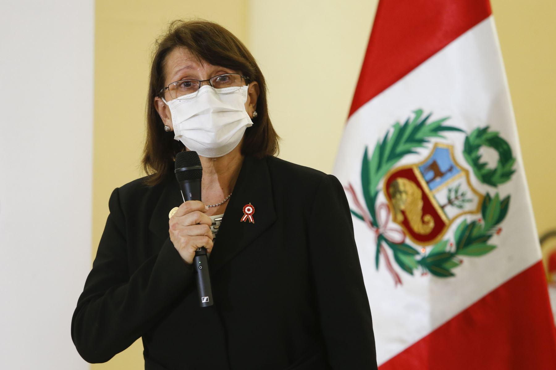 Perú alcanza las 17 mil 455 muertes por Covid-19