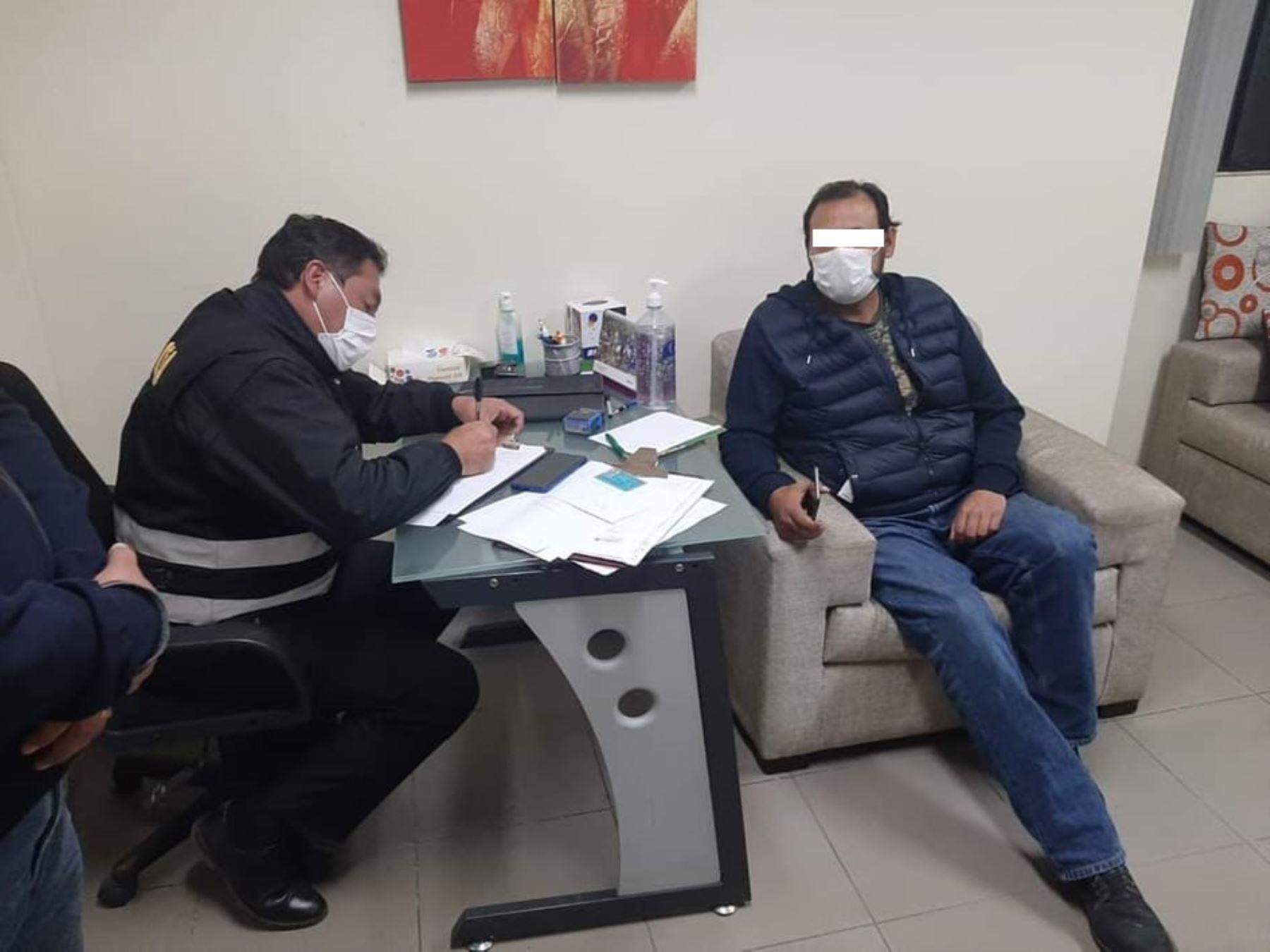 Detienen a médicos que pidieron licencia por coronavirus pero atendían en clínicas de Cusco
