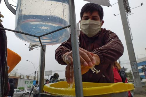 Arequipa: OTASS y Sedapar instalan lavamanos para evitar contagios de covid-19. ANDINA/Difusión