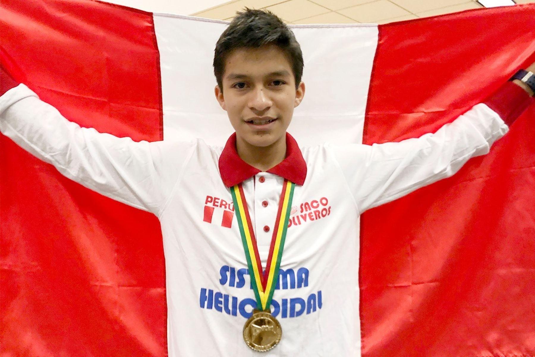 Escolar peruano, Mario Pariona Molocho, gana medalla de oro en olimpiada mundial de matemática