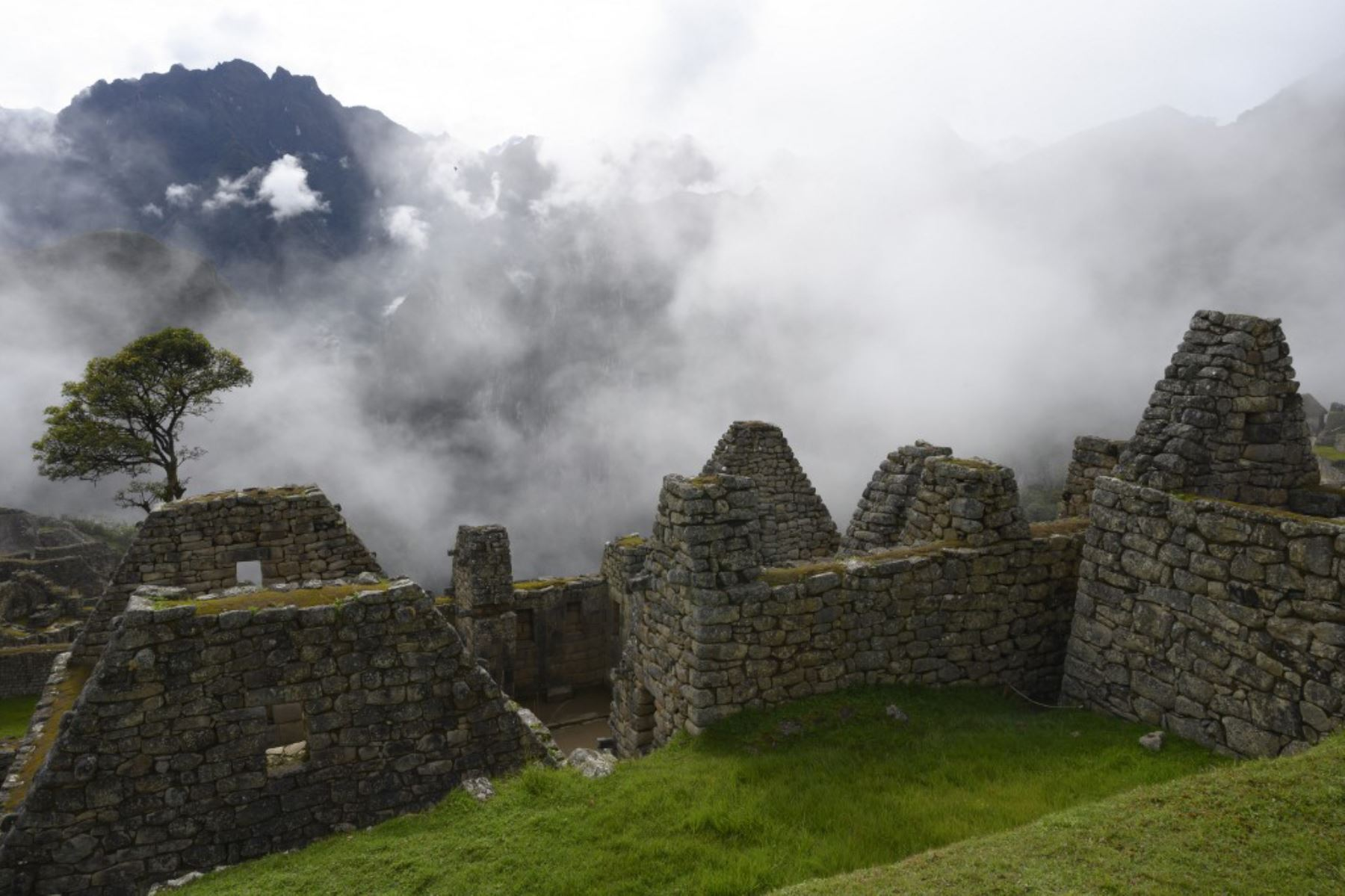 Vista del complejo de Machu Picchu, la fortaleza inca enclavada en el sureste de los Andes del Perú el 24 de abril de 2019. Foto: AFP