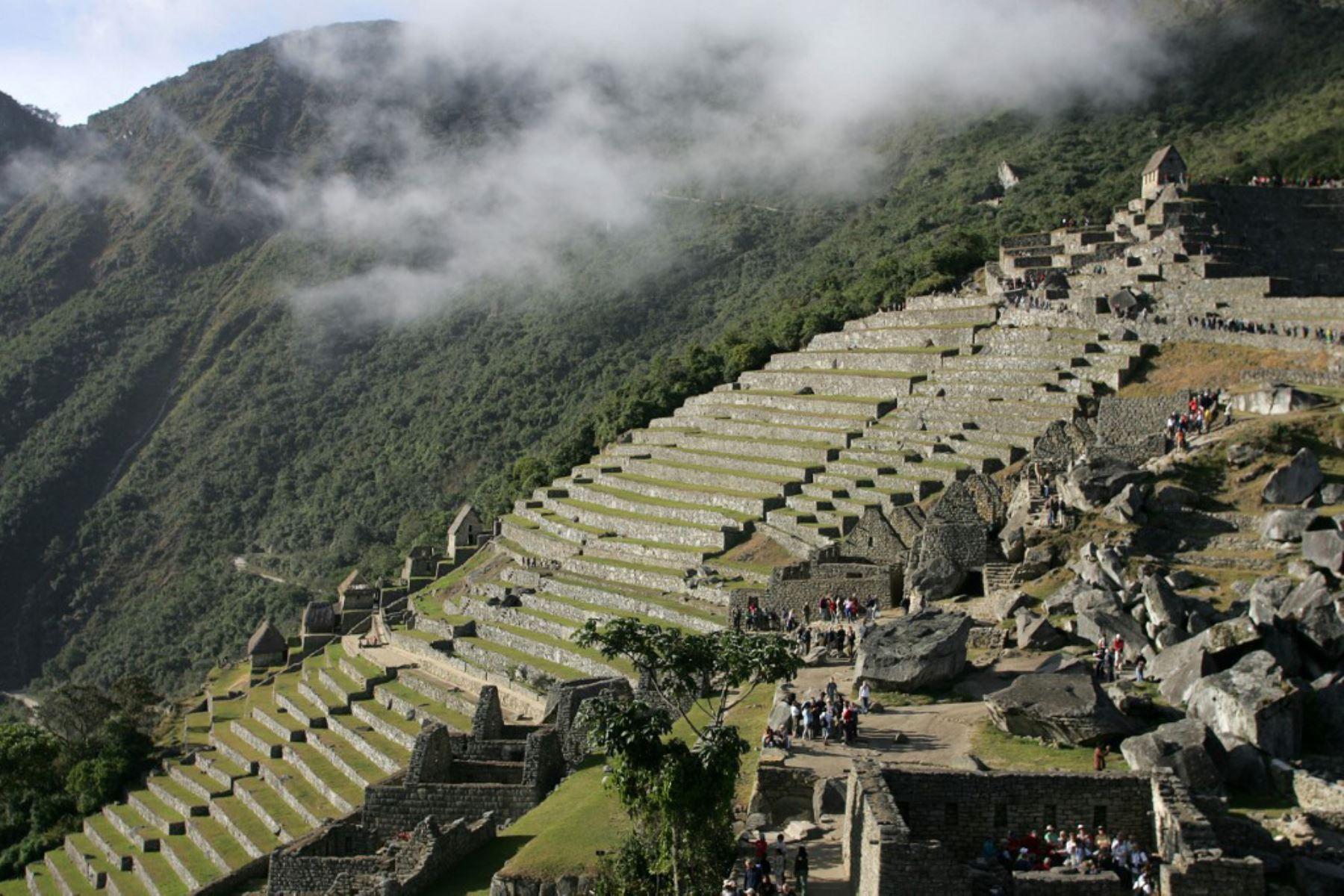Vista general de la ciudadela inca de Machu Picchu en el departamento peruano de Cusco. Machu Picchu fue nombrada el 7 de julio de 2007 como una de las nuevas Siete Maravillas del Mundo en una ceremonia en Lisboa. Foto: AFP