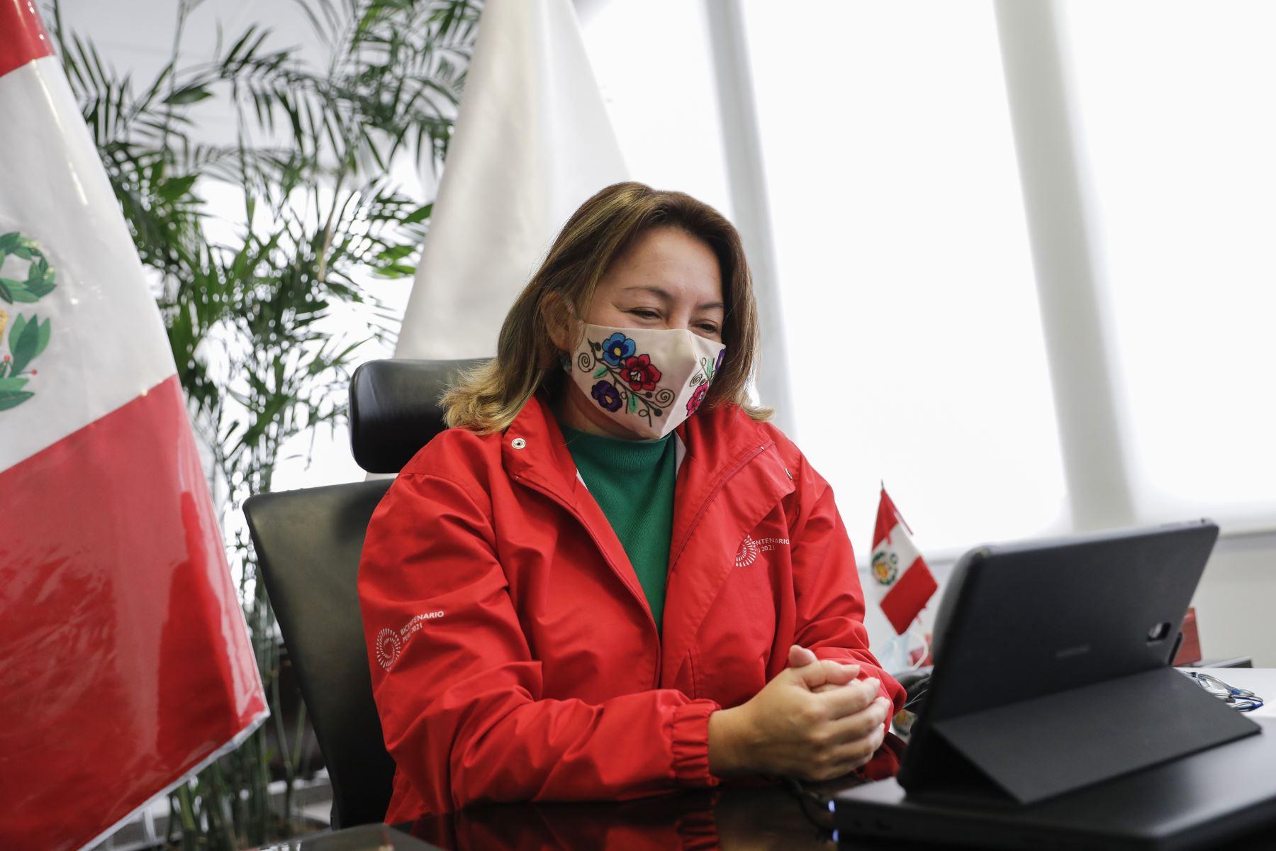 Ministra participó en el foro virtual 'Nuevo entorno para el comercio exterior peruano',  realizado por Adex en su 47° Aniversario. Cortesía