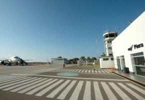 Aeropuerto y terminales terrestres de Piura adecúan sus horarios por toque de queda que empieza a las 19:00 horas.