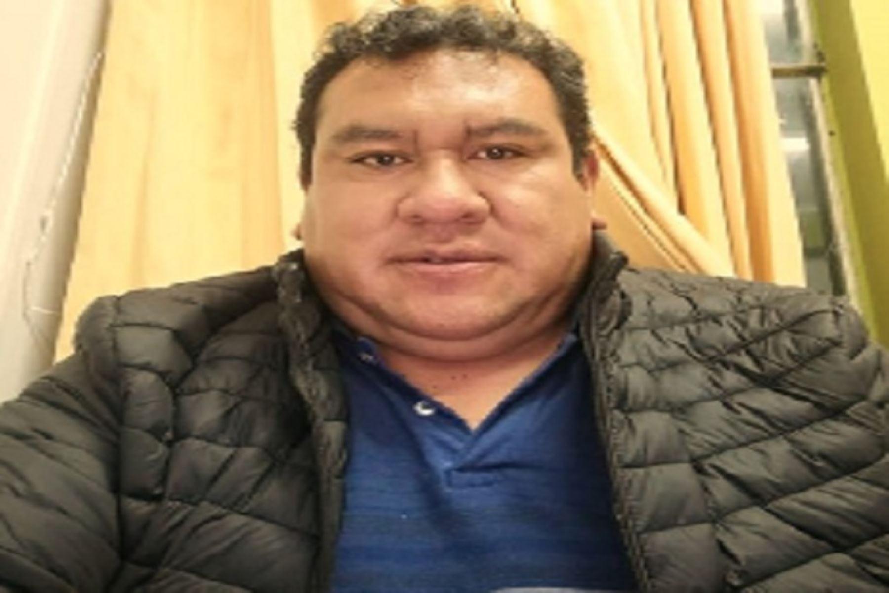 El cuerpo del extinto periodista fue trasladado al distrito de Ticlacayán, donde las autoridades le brindaron un homenaje póstumo.