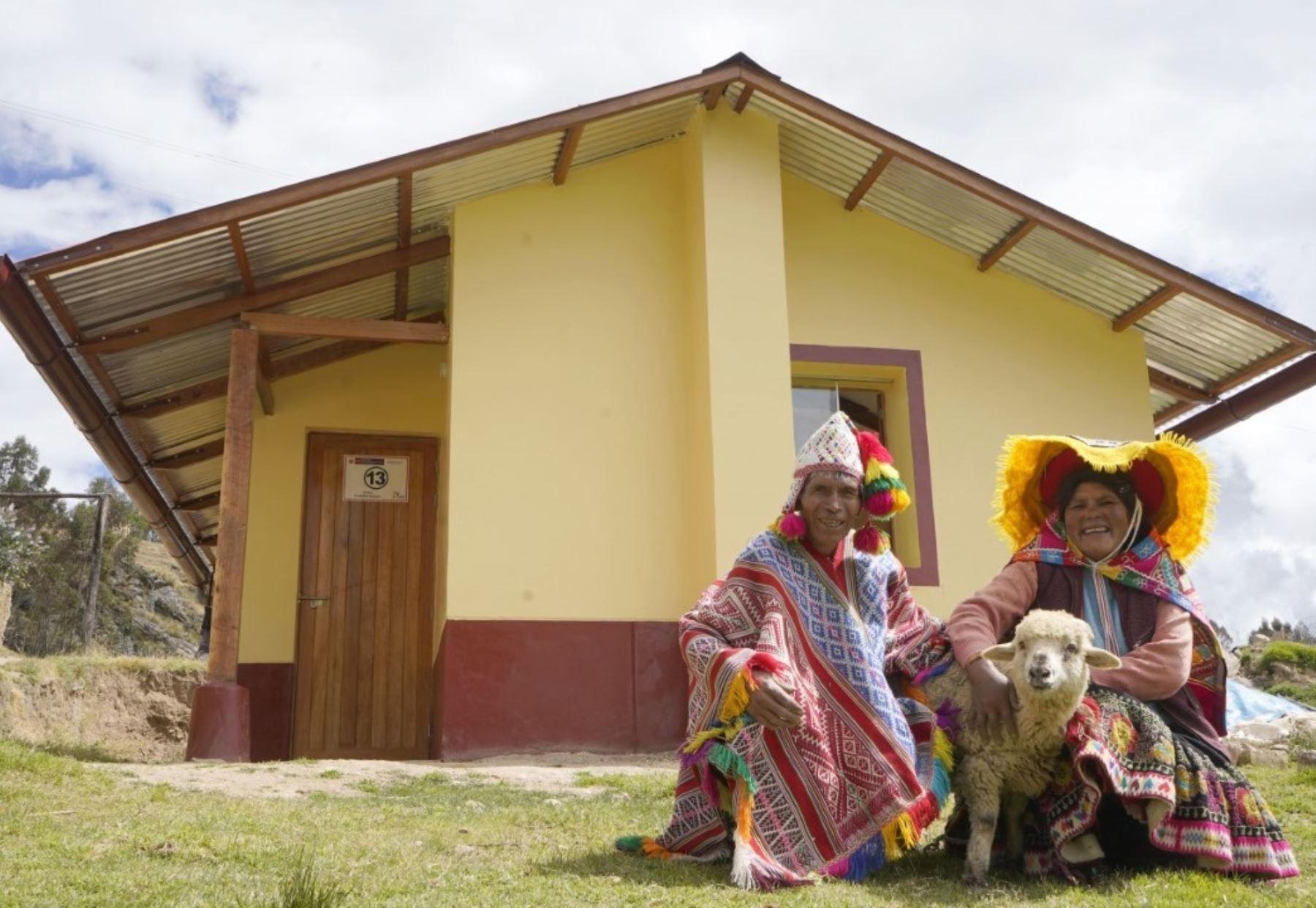 Ministerio de Vivienda inició la construcción de casas bioclimáticas en las zonas altas de Cusco para proteger a población de las bajas temperaturas.