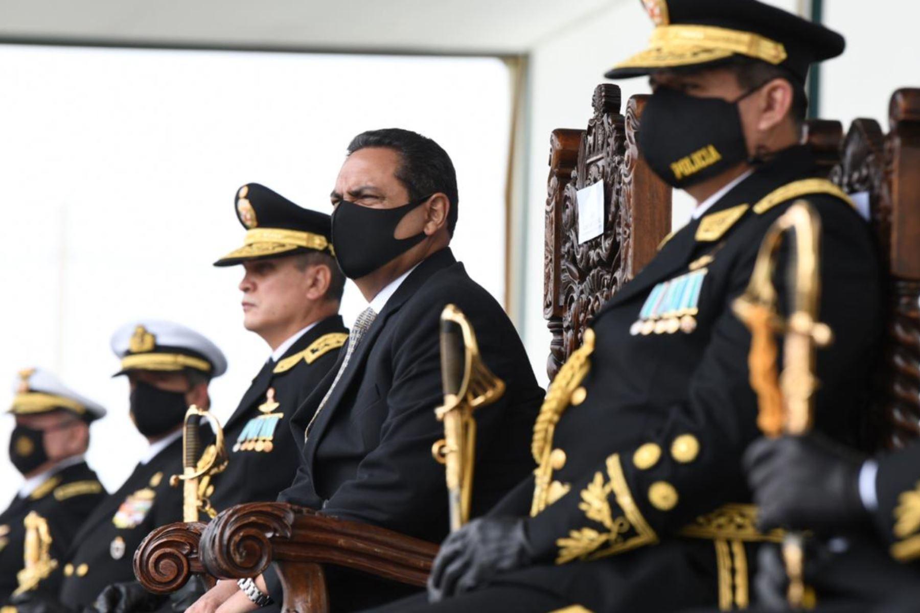 El Ministro del Interior Jorge Montoya, lidera ceremonia de graduación de alféreces de la Escuela de Oficiales de la  Policía Nacional del Perú.Foto:ANDINA/Mininter .