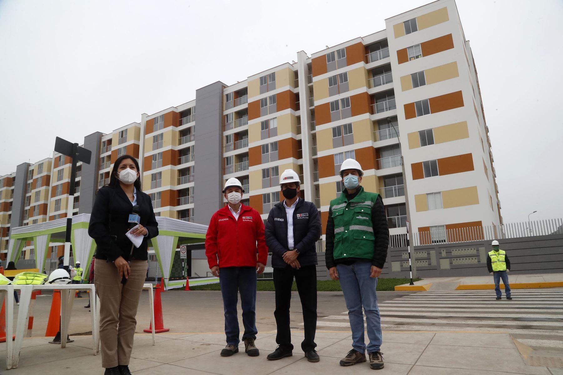 El Ministro de Vivienda Carlos Lozada da a conocer los protocolos de bioseguridad en el reinicio de las actividades de construcción y anuncia que el MVCS ha diseñado un programa ambicioso que permitirá que 80 mil familias accedan a una vivienda a través de techo propio y el Nuevo Crédito Mi Vivienda .   Foto: ANDINA/Vivienda