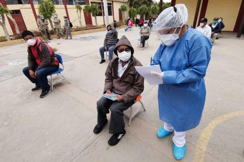 Centros Rápidos de Atención Temporal contra el Covid-19 operan por tercer día en Lambayeque