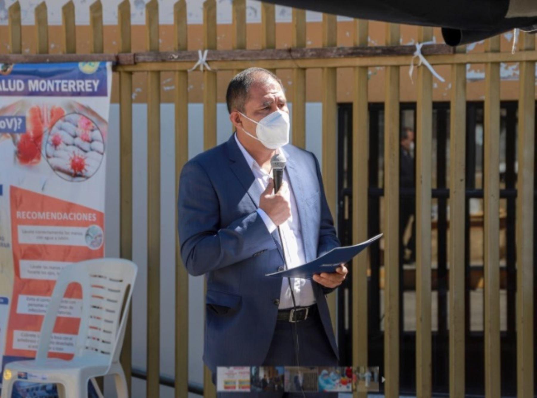 El gobernador regional de Áncash, Juan Carlos Morillo Ulloa, invocó hoy a la población ancashina a ser responsables y respetar la medida de distanciamiento social recomendada por las autoridades sanitarias para frenar el avance del nuevo coronavirus.