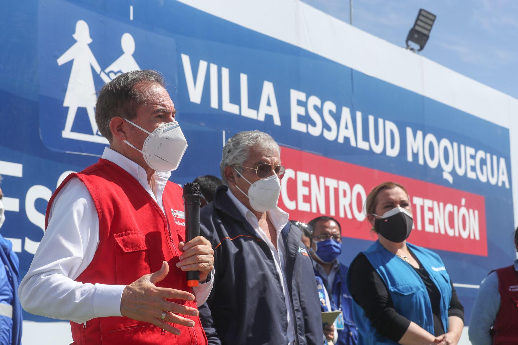 Ministro de Defensa, Walter Martos, junto a titular de Essalud, Fiorella Molinelli, inauguran hospitales temporales en Moquegua e Ilo. Foto: ANDINA/Mindef