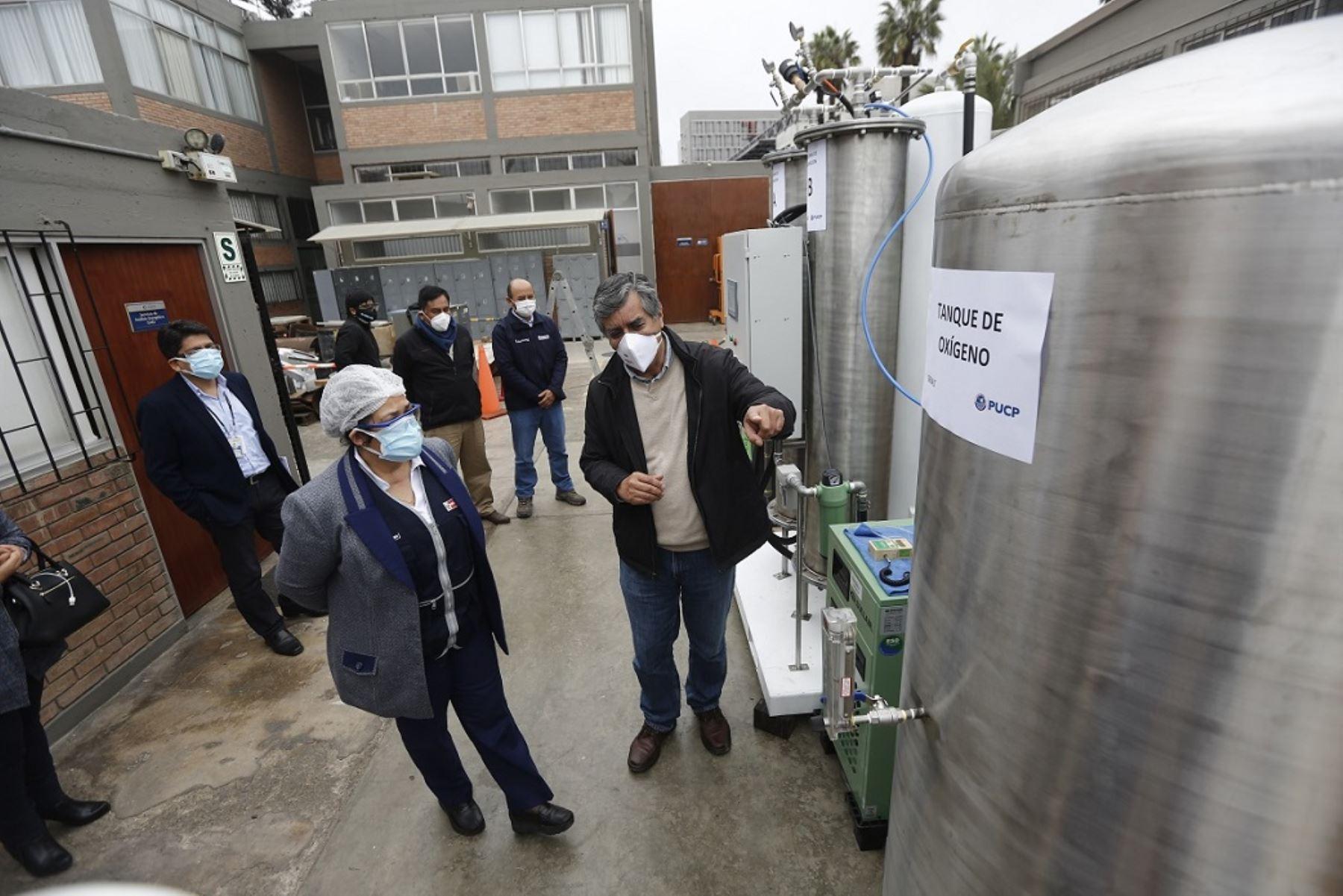 Con la planta se garantiza el oxígeno para el paciente las 24 horas (Foto: PUCP)