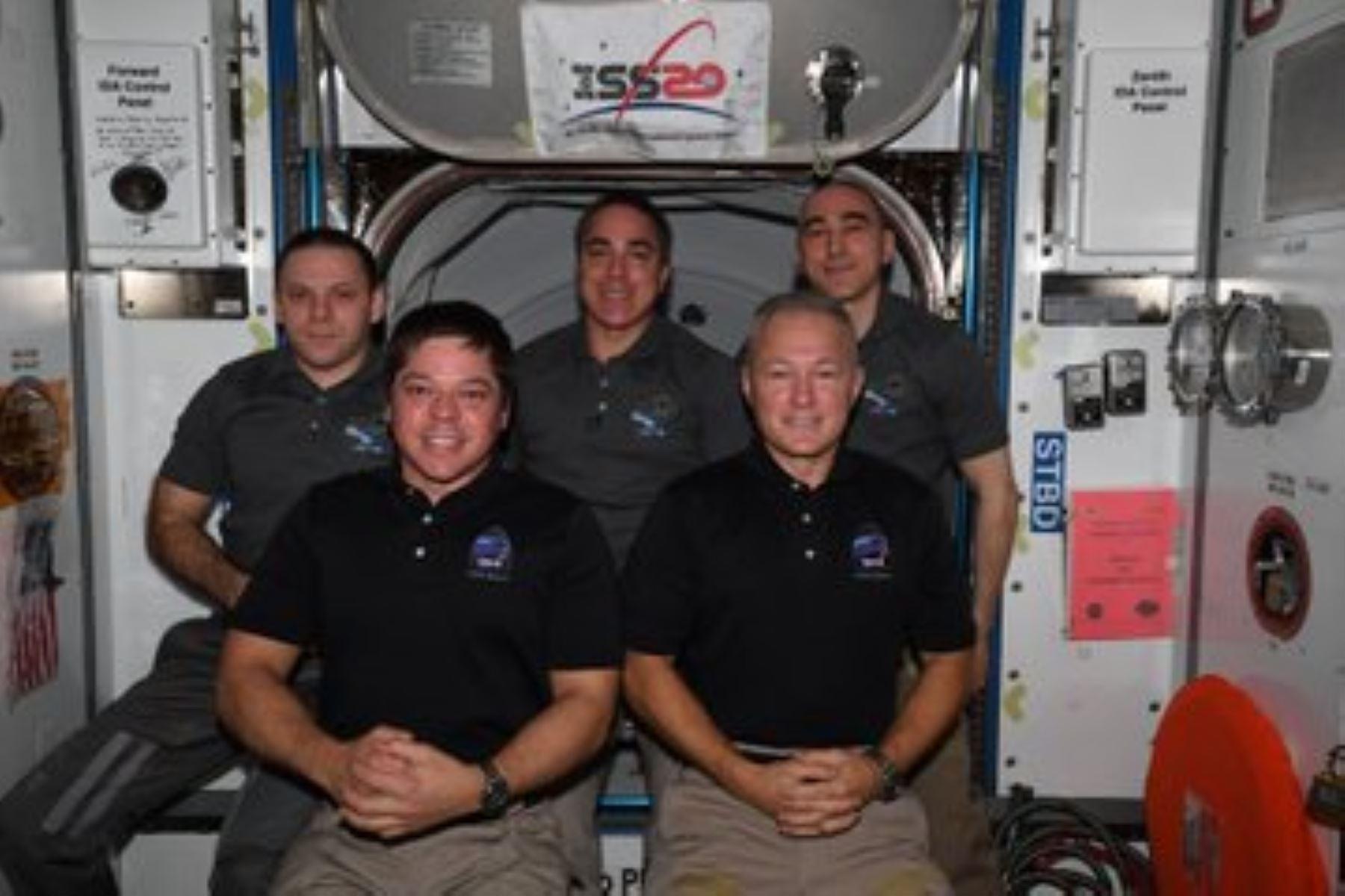 Cápsula de SpaceX abandona la Estación Espacial Internacional rumbo a la Tierra (Foto: NASA)