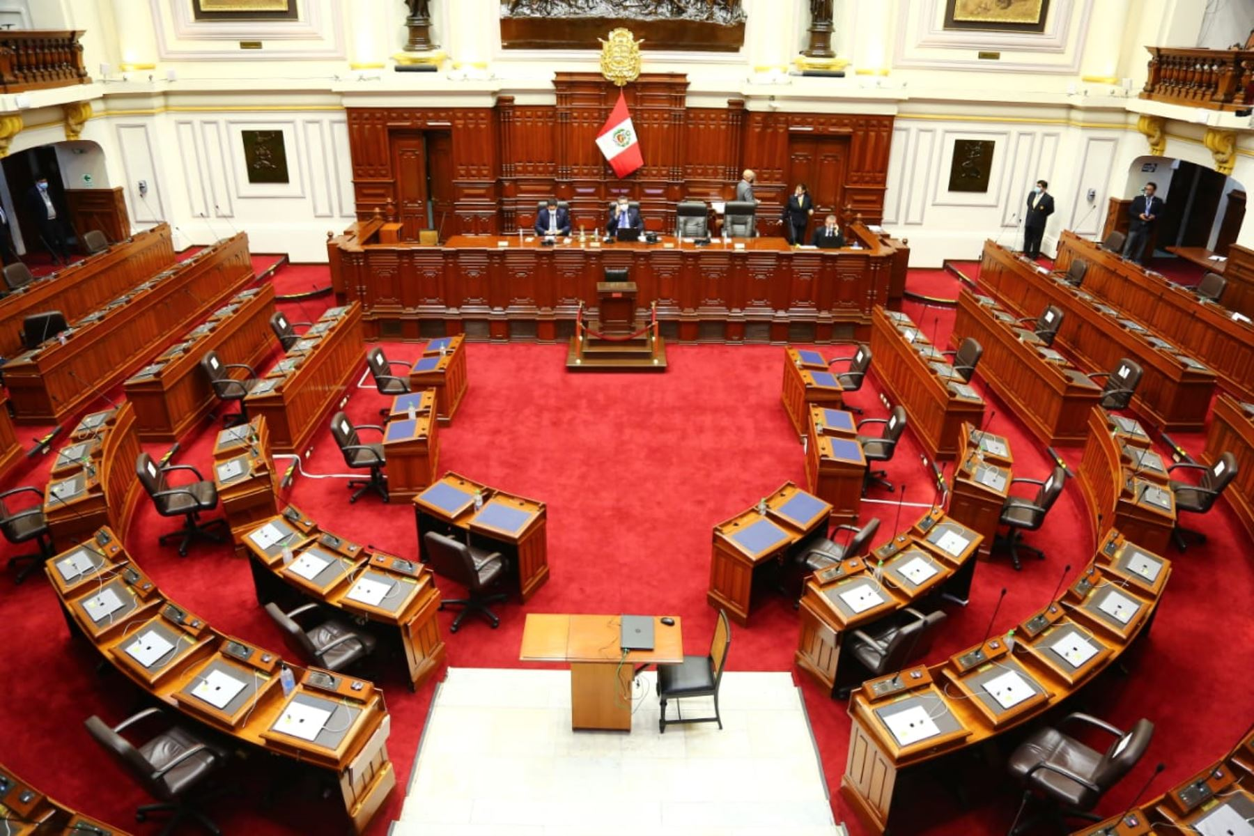 Gabinete Cateriano se presenta hoy ante el pleno del Congreso