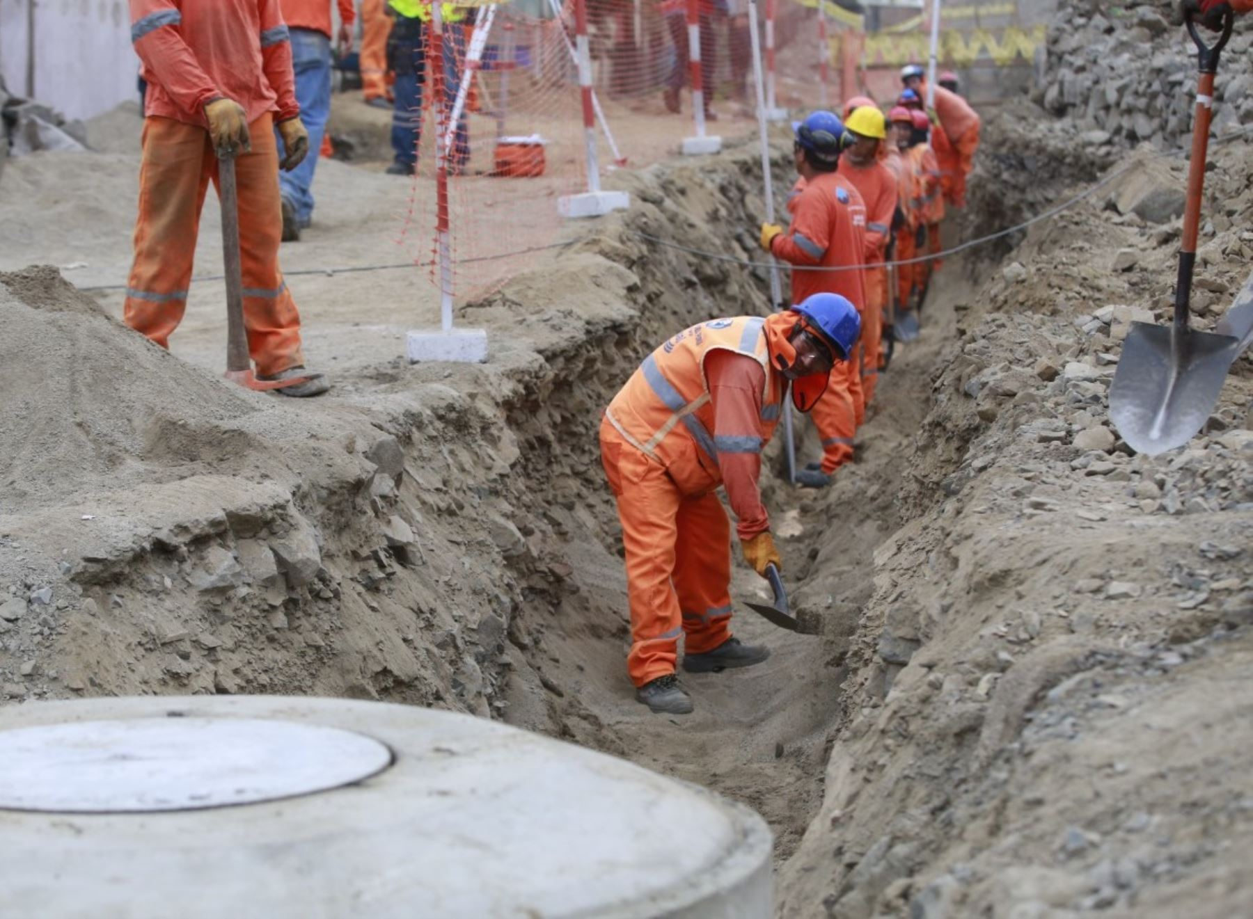 Ministerio de Vivienda anunció la ejecución de dos proyectos de saneamiento en Puno que beneficiarán a más de 15,000 pobladores.