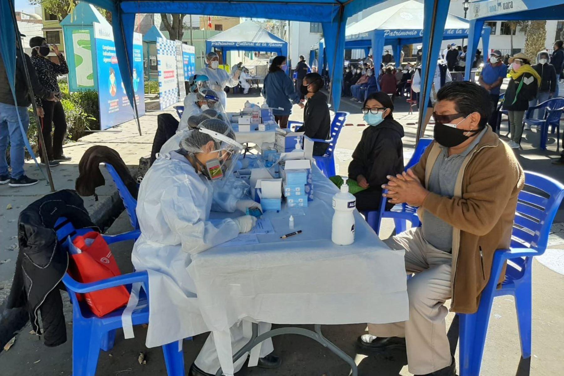 Campaña itinerante de EsSalud para detección de casos covid-19. Foto: ANDINA/Difusión