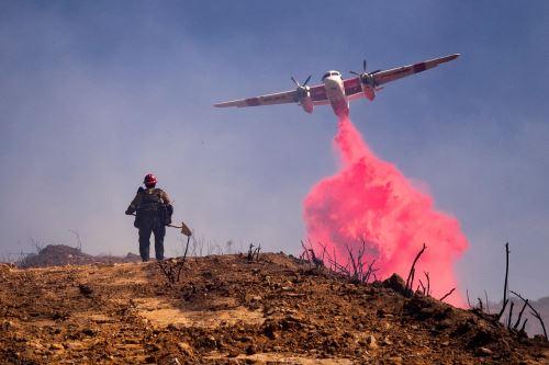 El incendio de California arrasa ya más de 10.000 hectáreas y aún tardará días en poder controlarse