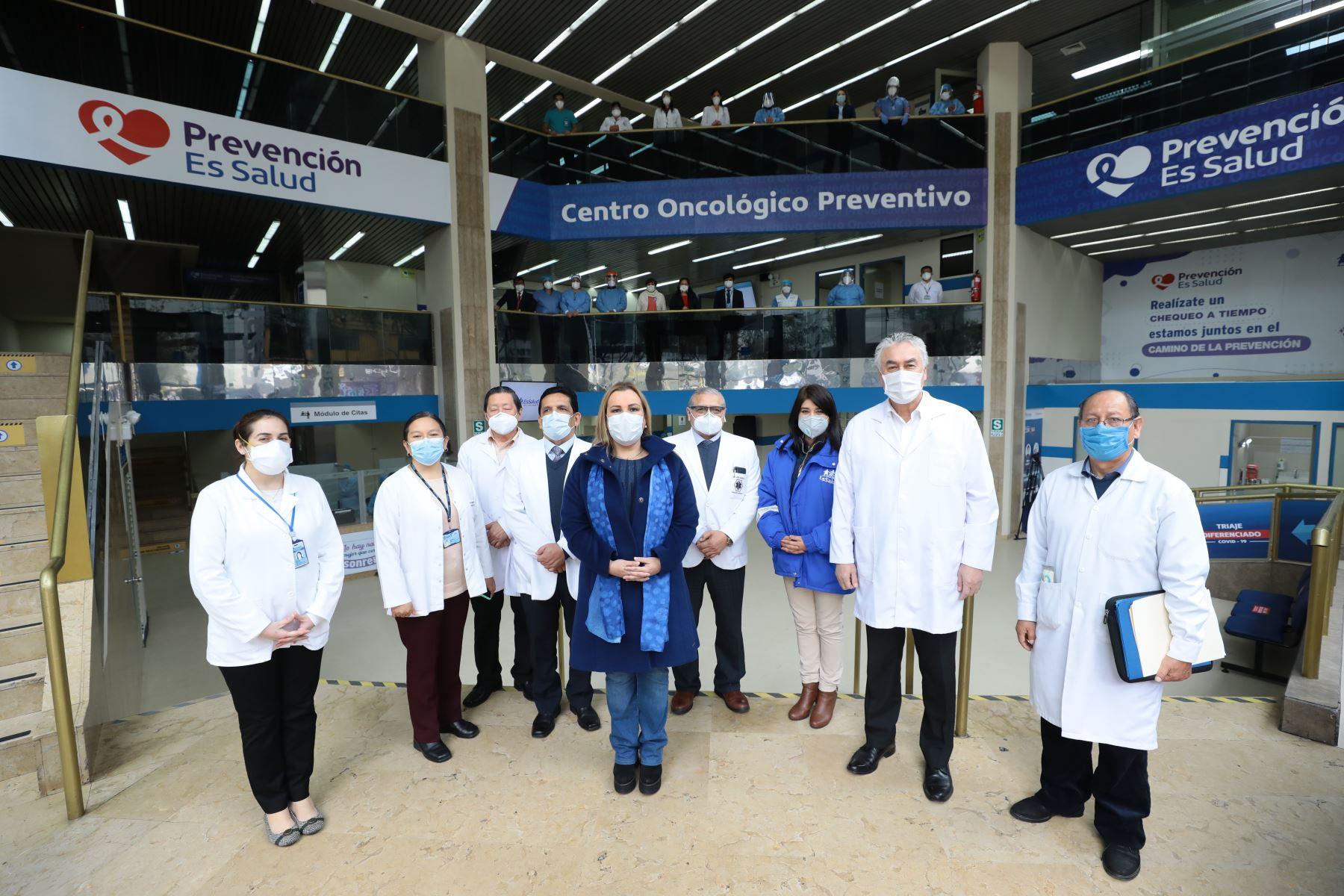 Fiorella Molinelli inaugura el primer Centro Oncológico Preventivo (COP) en Lima que permitirá realizar un diagnóstico y tratamiento oportuno para la prevención del cáncer. Foto: ANDINA/Essalud