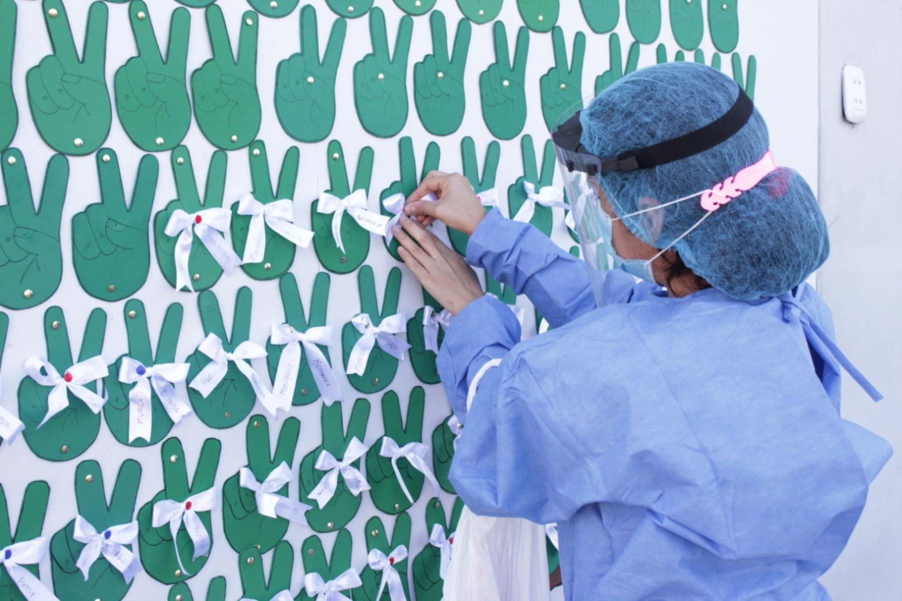 """Este es el """"árbol de la victoria"""", el método de motivación para pacientes covid-19 en Chimbote. Foto: Cortesía Gonzalo Horna"""