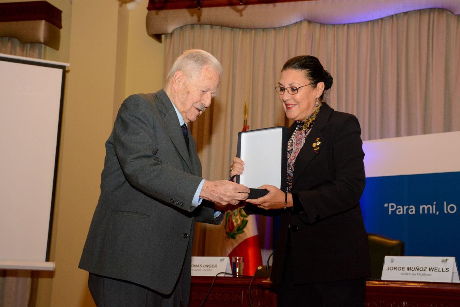 En el 2018, Tomás Unger fue reconocido por el Concytec por su destacada trayectoria como divulgador científico.  Foto: Archivo Tomás Unger