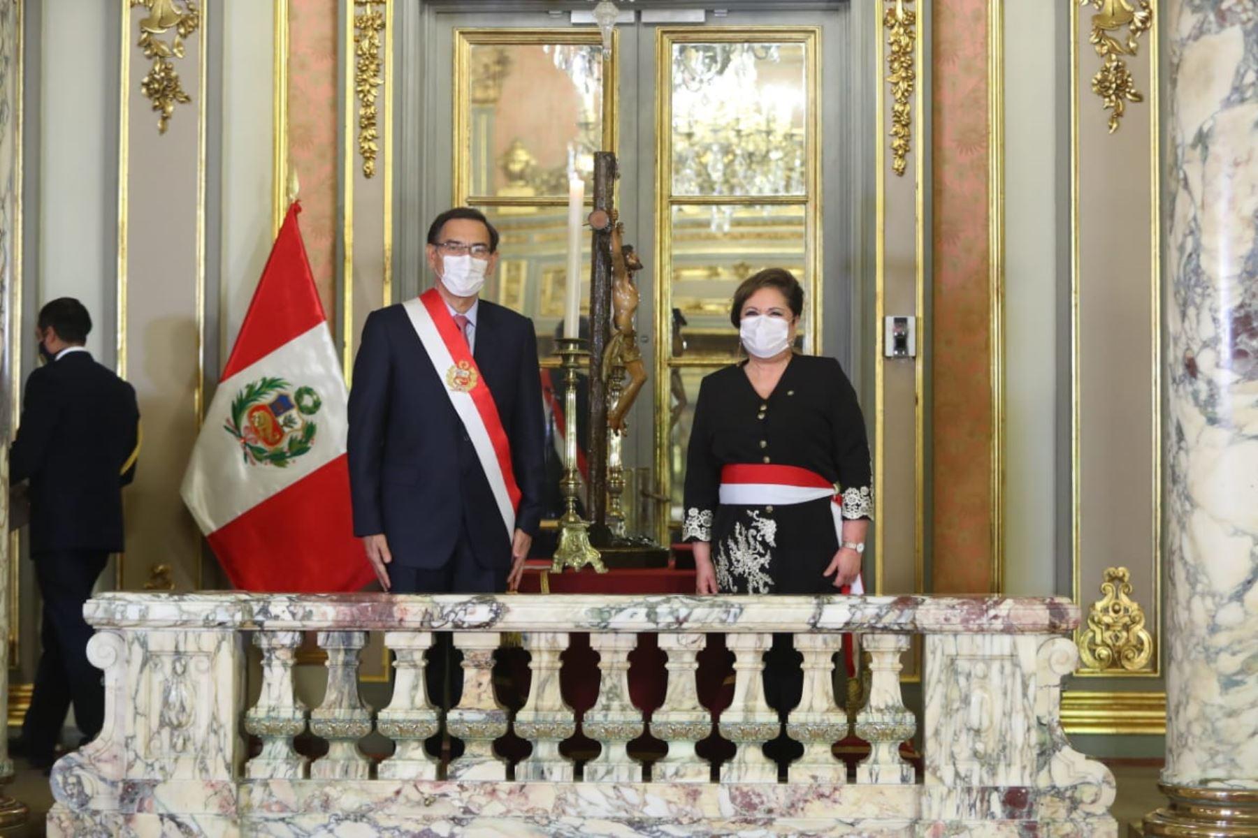 Rosario Sasieta jura como ministra de la Mujer y Poblaciones Vulnerables