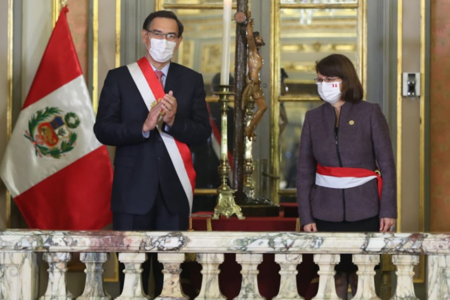 El presidente de la República, Martín Vizcarra, toma juramento a Pilar Mazzetti como ministra de Salud.  Foto: ANDINA/ Prensa Presidencia