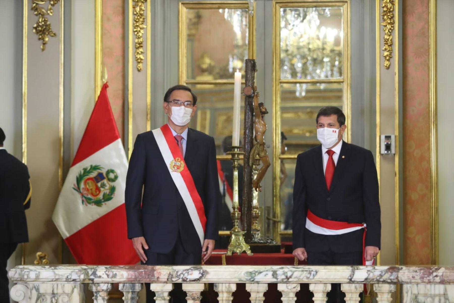 Presidente Martín Vizcarra tomó juramento a Jorge Luis Chávez Cresta como nuevo ministro de Defensa.  Foto: ANDINA / Presidencia