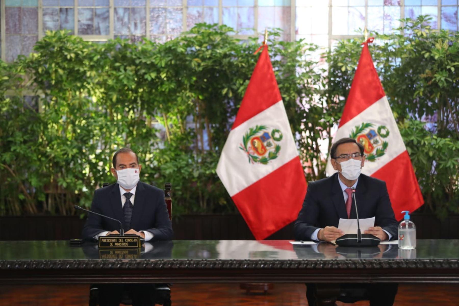 Pronunciamiento del presidente de la República,  Martin Vizcarra , junto a su gabinete de ministros. Foto: ANDINA/ Prensa Presidencia